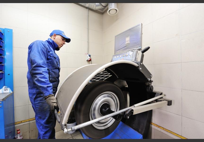 Балансировка колес на оборудовании